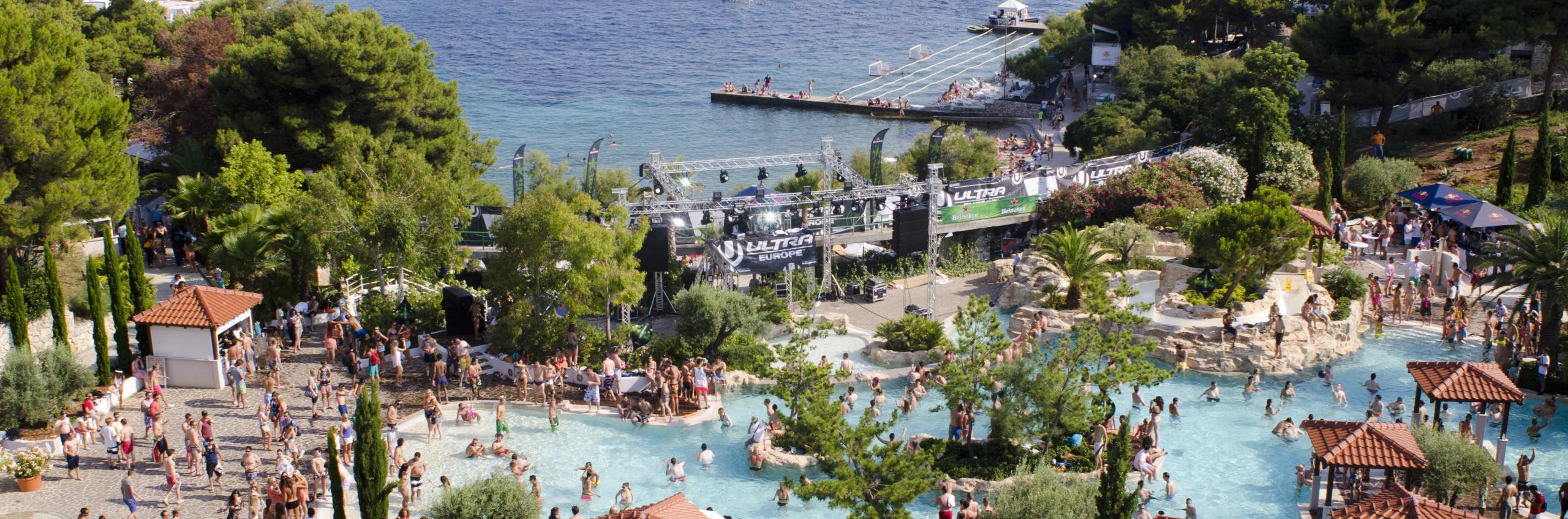 'Infinity' pool at Amfora grand beach resort