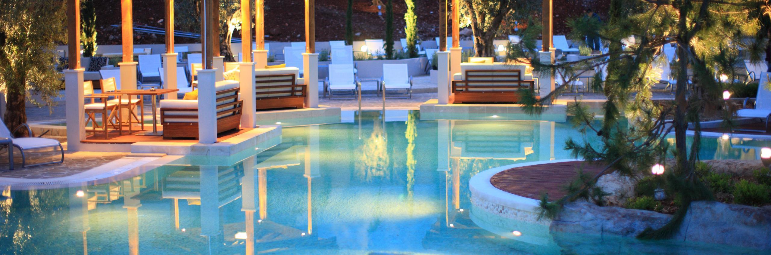 Amfora's Cascades pool