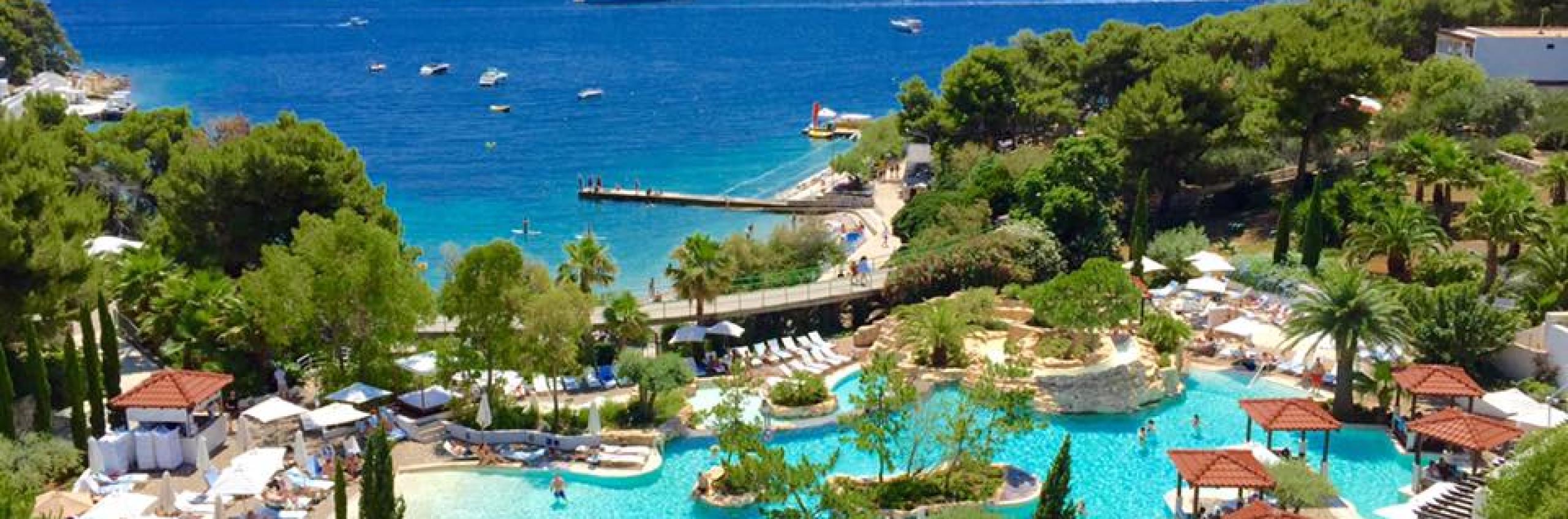 Amfora Bay