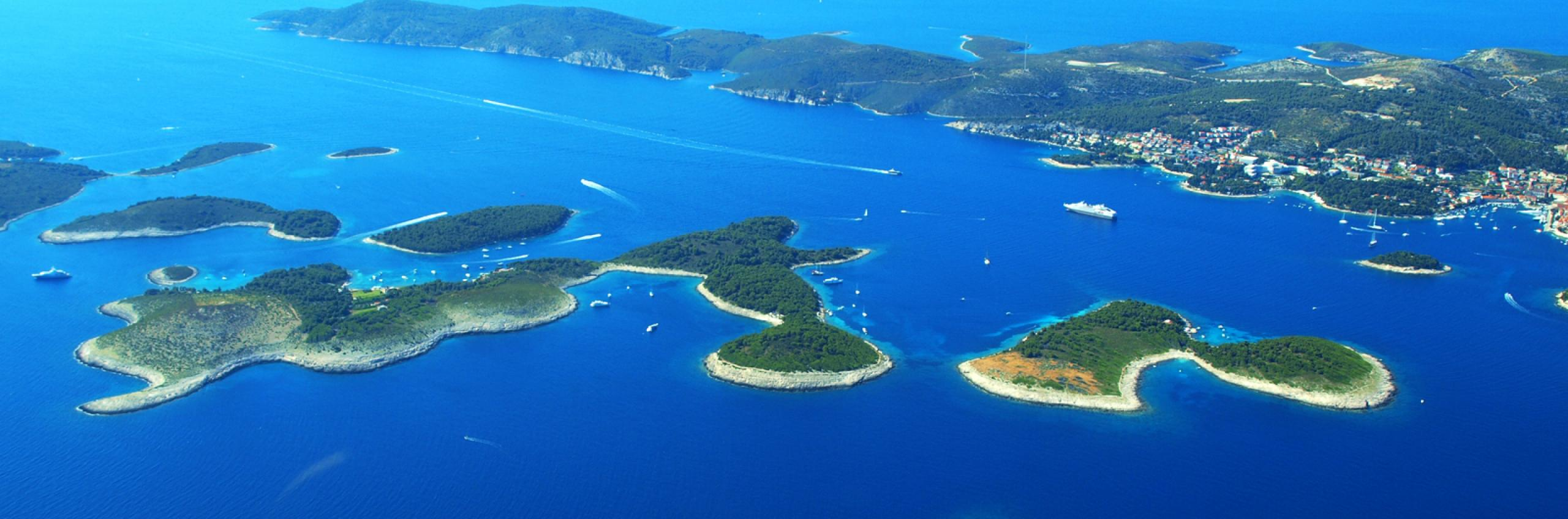 Air connection to Hvar