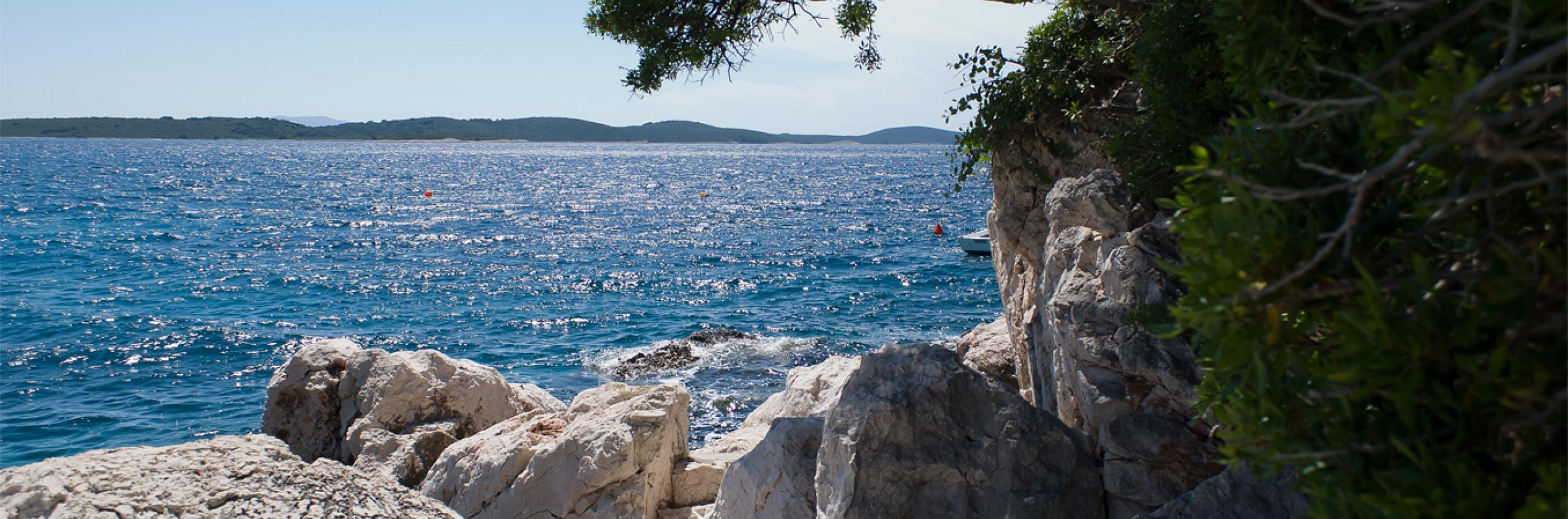 Try winter sunshine holidays in Hvar!