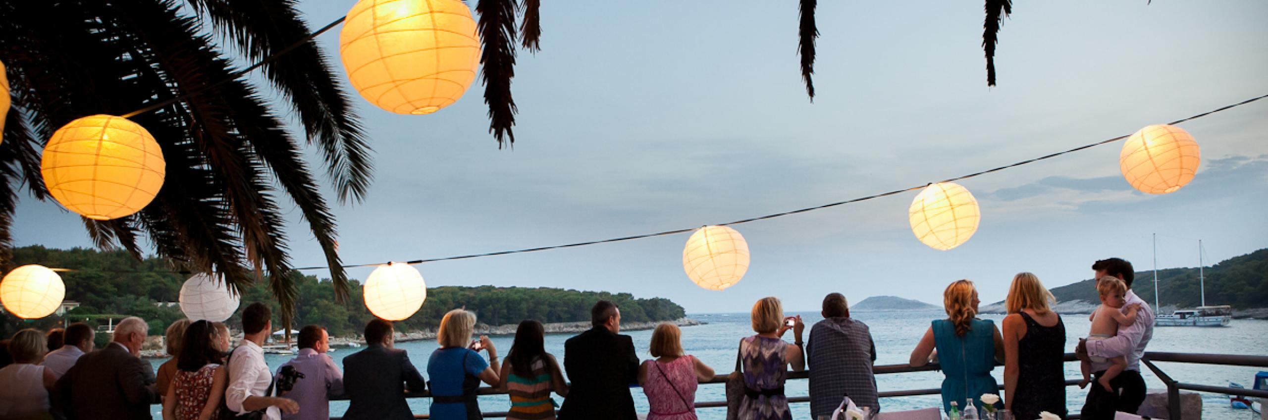 Summer wedding at Bonj les bains pontoon