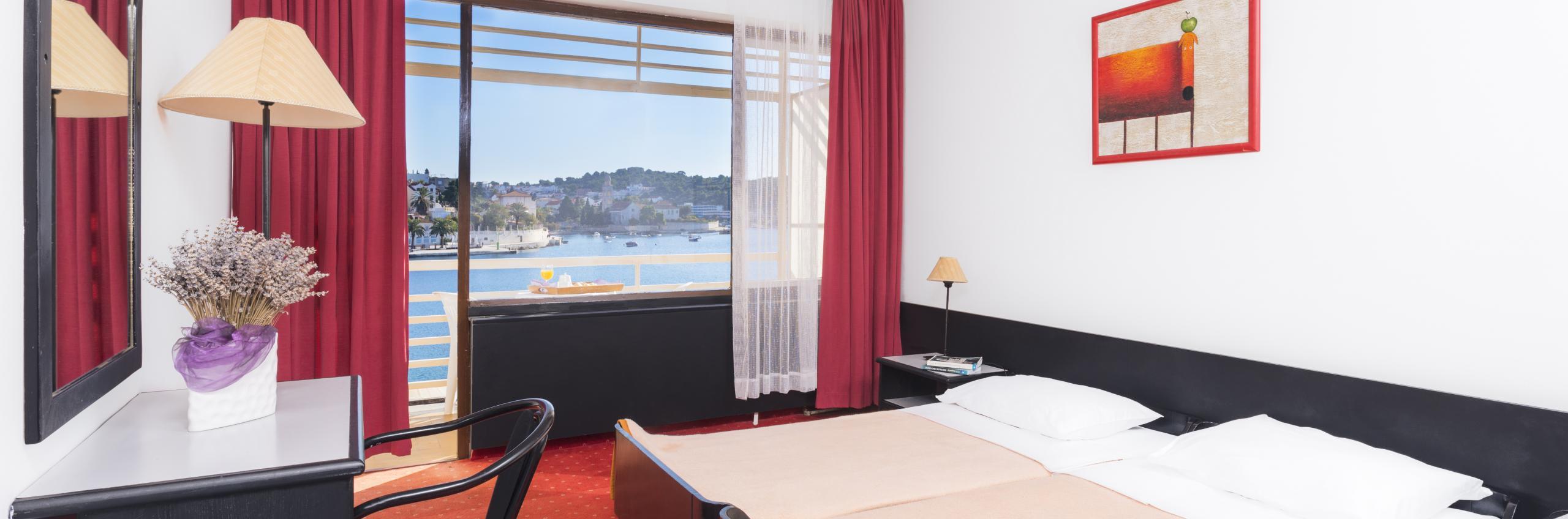 Delfin hotel guest room