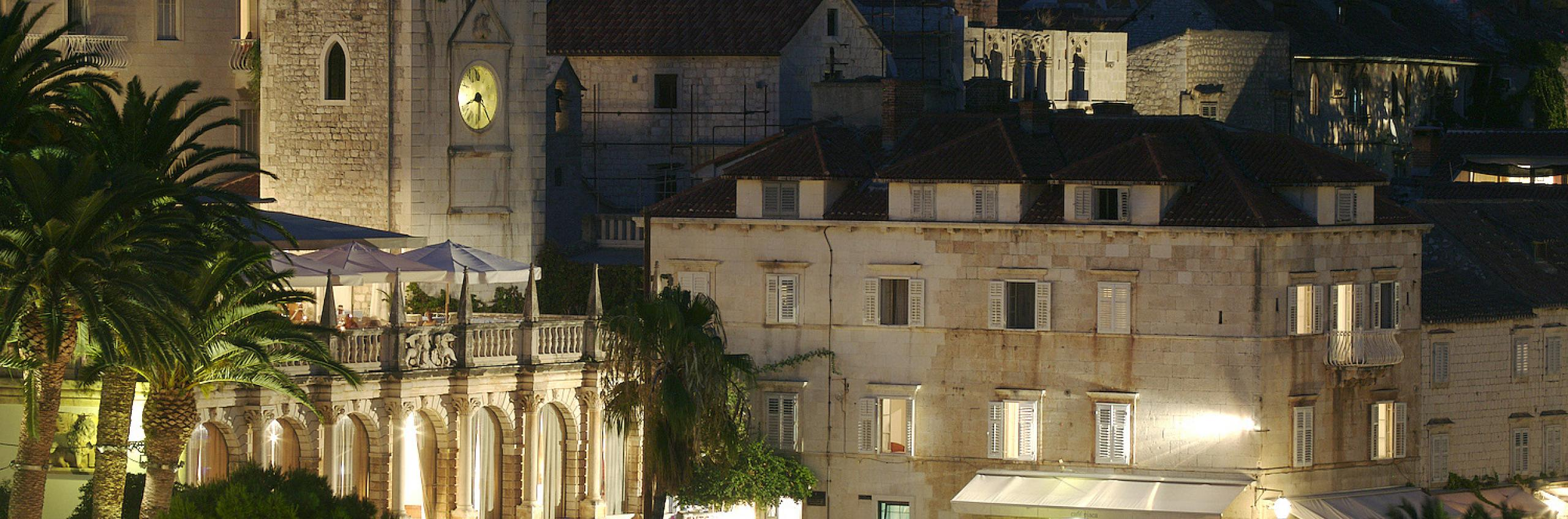 The Palace, hvar